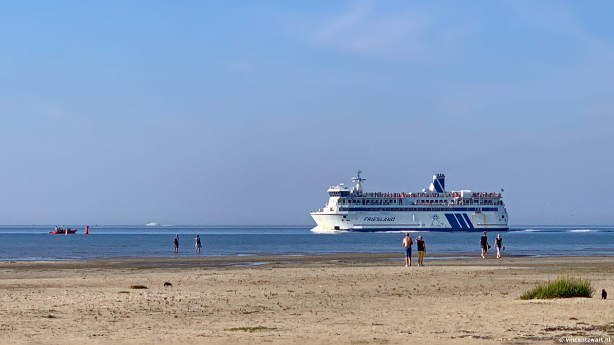 Met de boot naar Terschelling - foto vincentzwart.nl